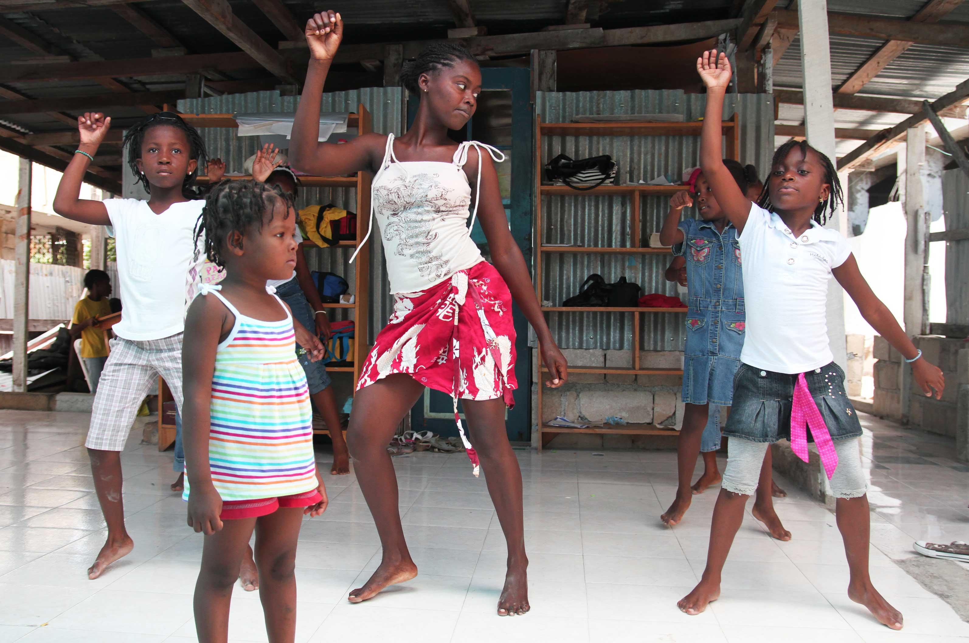 haitian children dancing